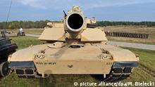 13.10.2014 (FILE) epa04444950 US M1A2 Abrams battle tank during the transferring tasks of participation in a training mission in Poland, at the Land Forces Training Centre 'Drawsko', in Drawsko Pomorskie, Poland, 13 October 2014. EPA/MARCIN BIELECKI POLAND OUT (zu USA wollen Panzerbrigade nach Osteuropa verlegen) +++(c) dpa - Bildfunk+++ picture alliance/dpa/M. Bielecki