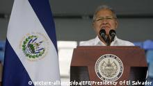 El Salvador Tag der Unabhängigkeit Präsident Salvador Sanchez Ceren in San Salvador