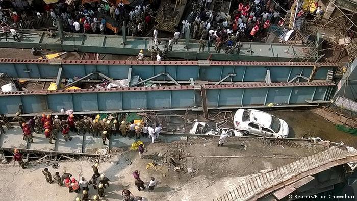 Indien Kolkata eingestürzte Straßenüberführung