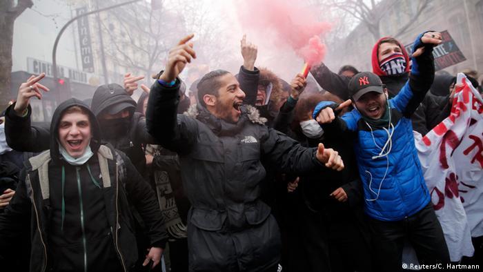 Students protest in Paris