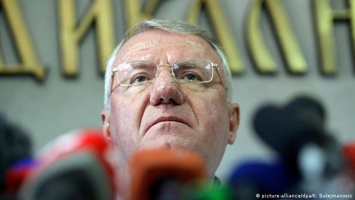 VŠešelj je zbog progona Hrvata u Hrtkovcima u Vojvodini, u aprilu ove godine, osuđen na kaznu zatvora od 10 godina.