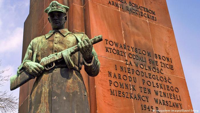 Polen Warschau Ehrenmal der Roten Armee im 2. Weltkrieg (Imago/mm images/David Ewing)