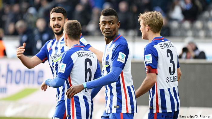 Spieler von Hertha BSC (Foto: picture-alliance/dpa/G. Fischer)