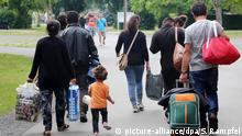 Symbolbild Deutschland Flüchtlinge werden in Friedland erwartet
