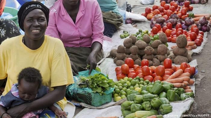 Scene at market in Juba (picture-alliance/dpa/MAXPPP)