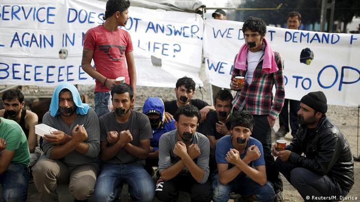 Izbjeglice s transparentima
