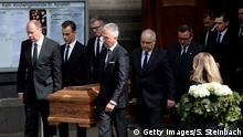 02.04.2016 COLOGNE, NORTH RHINE-WESTPHALIA - APRIL 02: Mourners follow the cuffin after the memorial commemoration for late German politician Guido Westerwelle at the Sankt Aposteln Kirche church on April 2, 2016 in Cologne, Germany. Westerwelle, a leading member of the German Free Democrats (FDP) and former German foreign minister, died on March 18 of leukemia. (Photo by Sascha Steinbach/Getty Images) Copyright: Getty Images/S. Steinbach