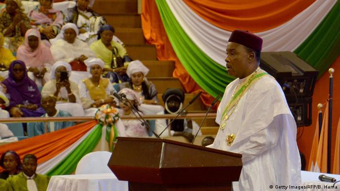 Niger Amtseid des neu gewählten Präsidenten Mahamadou Issoufou