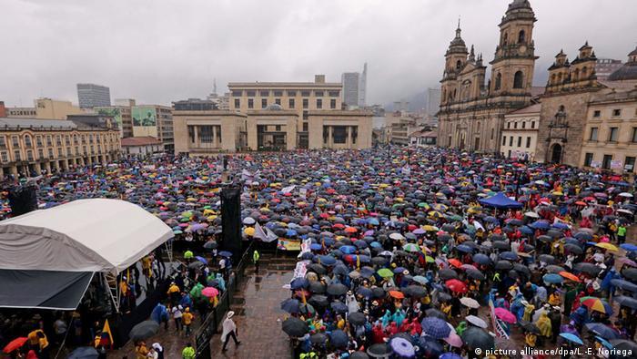 Kolumbien Protest gegen die Regierung von Juan Manuel Santos