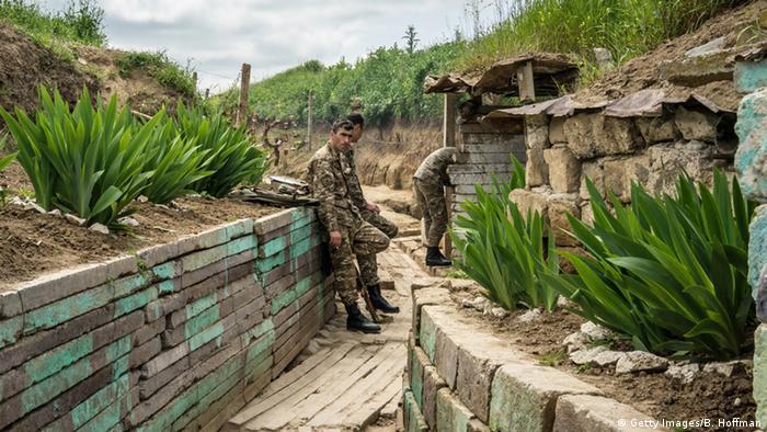 Bergkarabach Gefechte zwischen Armenien und Aserbaidschan