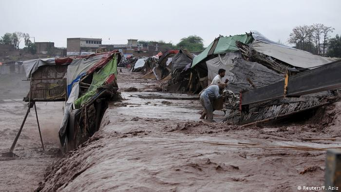 Peschawar Schwere Regenfälle in Pakistan