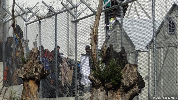 Geschlossenes Lager Moria auf Lesbos (DW/P. Kouparanis)