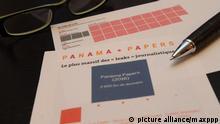 ©PHOTOPQR/L'ALSACE ; Illustration révélation du Panama Papers Leaks. C'est la plus grosse fuite de documents financiers jamais traités par la presse. Sont impliqués dans des sociétés offshores douze chefs d'Etat et de gouvernement (dont six en activité), 128 responsables politiques et hauts fonctionnaires de premier plan du monde entier et 29 membres du classement Forbes des 500 personnalités les plus riches de la planète. © picture alliance/maxppp