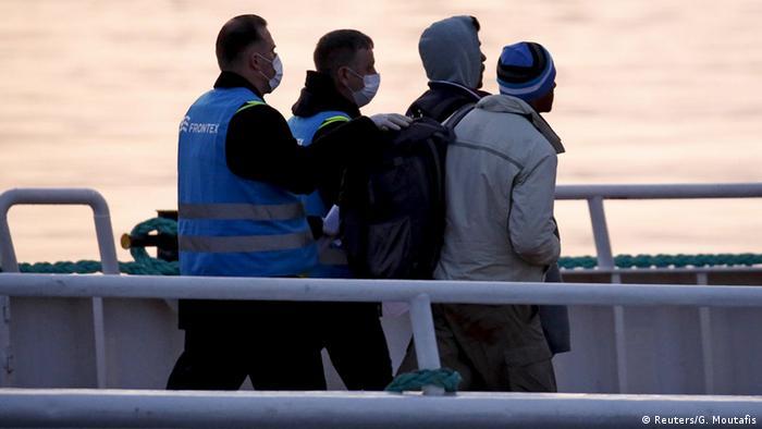 El director de la agencia encargada del control de las fronteras exteriores (Frontex), Fabrice Leggeri, advirtió este 5 de enero de que el 43% de los extranjeros irregulares no son expulsados de los países de la UE. 05.01.2017
