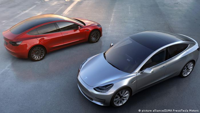 Pre Orders Surge For Tesla Economy Car News Dw 04 04 2016