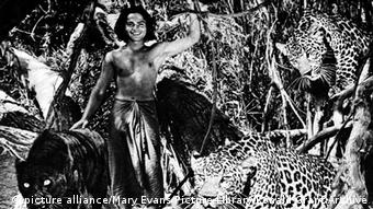 Filmszene in s/w: The Jungle Book (USA/1942). Copyright: picture alliance/Mary Evans Picture Library