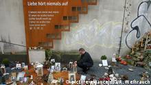Deutschland Denkmal für die Opfer der Loveparade in Duisburg
