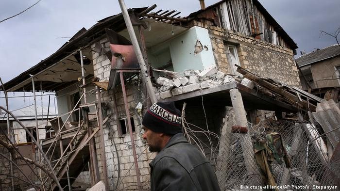 Aserbaidschan Bergkarabach Konflikt Ruine (Foto: picture-alliance/AP Photo/V. Stepanyan)