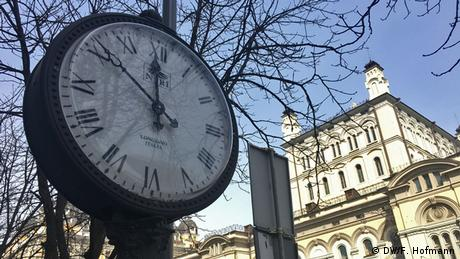 Ukriane Kiew Öffentliche Uhr (DW/F. Hofmann)