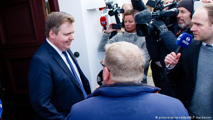 Dimitió por el escándalo Sigmundur David Gunnlaugsson, presidente de Islandia.