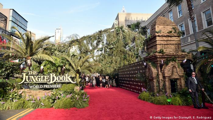 Roter Teppich bei der Weltpremiere in Hollywood am 5.4.2016