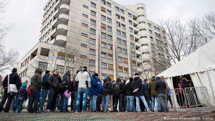 Deutschland Flüchtlinge vor LaGeSo Berlin
