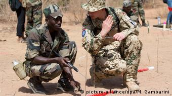 Mali Deutschland Ausbildungsmission der Bundeswehr in Koulikoro (picture-alliance/dpa/M. Gambarini)