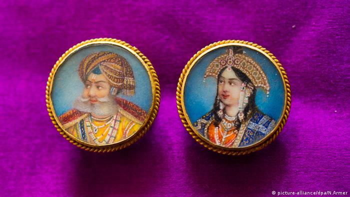 Портреты махараджи и магарани