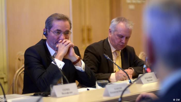 Matthias Platzeck (izqda.) y Alexander Rahr.