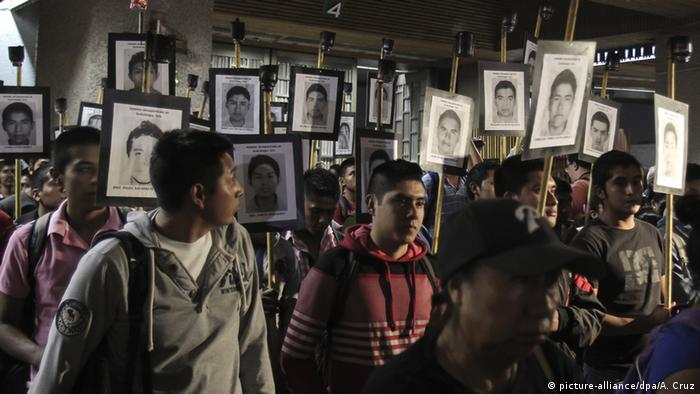 Investigators threaten to end collaboration on Mexico's missing students probe