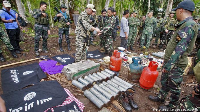 Philippinen Basilan Militär Abu Sayyaf Konfiszierte Ausrüstung