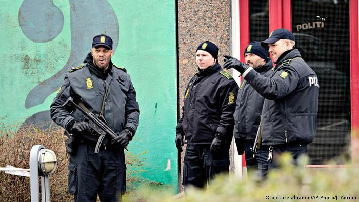 Razzia bei Kopenhagen (Foto: picture-alliance/AP Photo/J. Adrian)