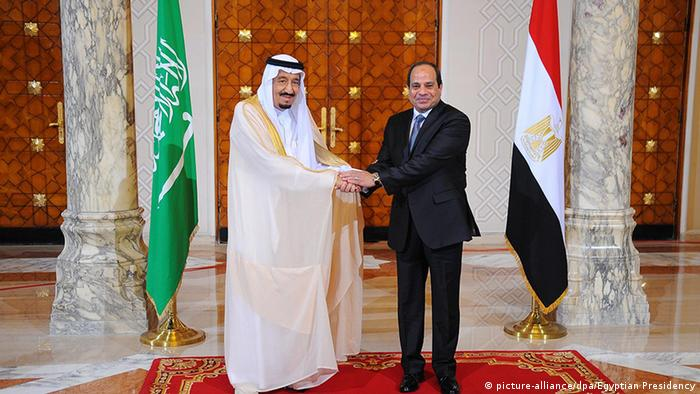 Egyptian President Abdel Fattah al-Sisi (R) and King Salman of Saudi Arabia (L) at a reception ceremony in Egypt.