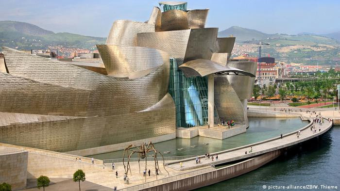 Guggenheim-Museum in Bilbao (picture-alliance/ZB/W. Thieme)