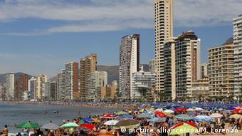 Испания, набережная и пляж в Аликанте