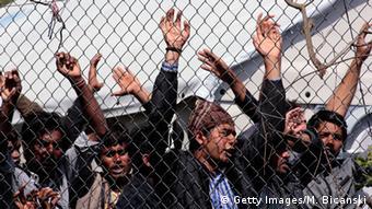 Απελπισμένοι όσοι πρόσφυγες παραμένουν στην Λέσβο (Getty Images/M. Bicanski)