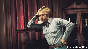 Filmszene aus dem US-Thriller Die drei Tage des Condor mit Robert Redford und Faye Dunaway (Foto: Studiocanal)