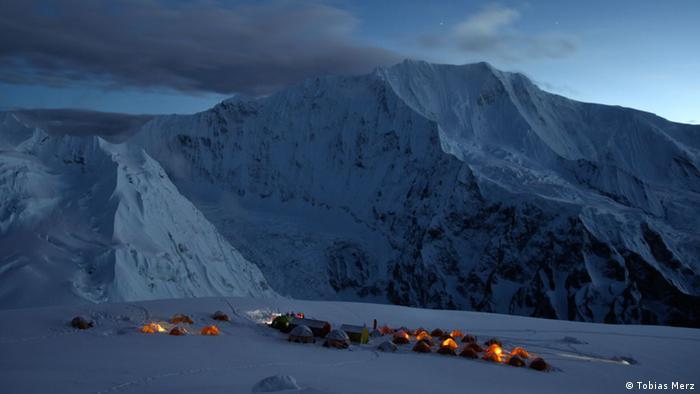 Nepal Himalaya Himlung Himal Abendstimmung im Lager 2