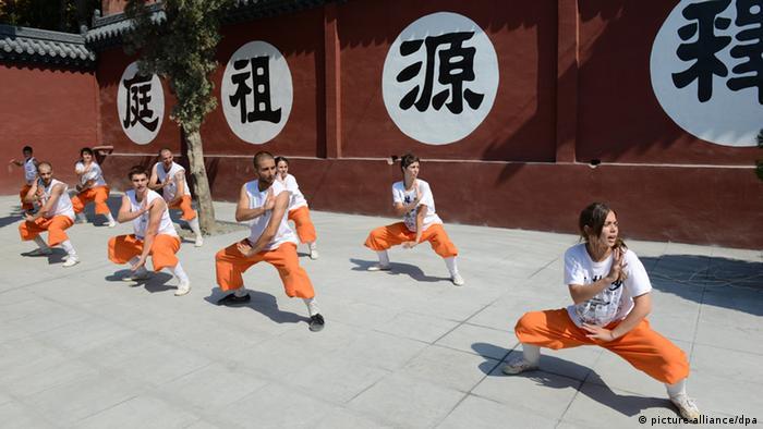Shaolin Mönche (picture-alliance/dpa)