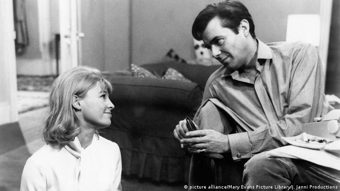 Julie Christie und Dirk Bogarde im Film 'Darling' (Foto: picture alliance/Mary Evans Picture Library/J. Janni Productions)