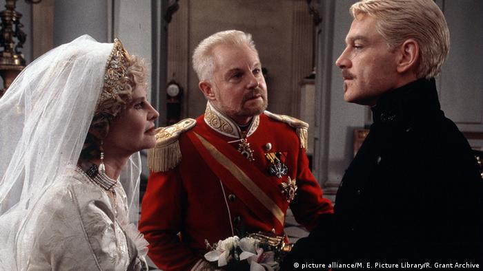 Julie Christie, Derek Jacobi und Kenneth Branagh in dem Film 'Hamlet' (Foto: picture alliance/M. E. Picture Library/R. Grant Archive)