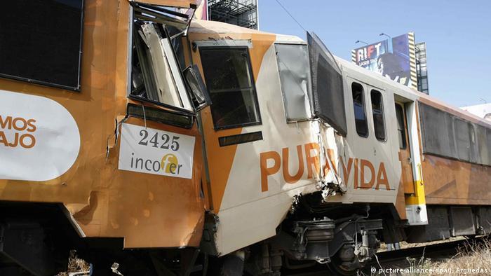 Zwei Züge stossen miteinander in Costa Rica zusammen