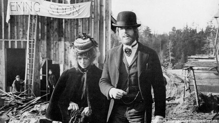 Filmszene mit Julie Christie und Warren Beatty in 'McCabe and Mrs Miller (Foto: picture-alliance/United Archives/TopFoto)