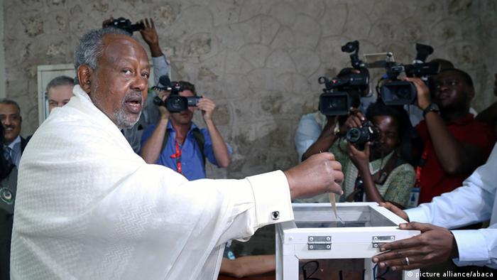 Current President of Djibouti Ismail Omar Guelleh casts his ballot during the Djiboutian presidential elections
