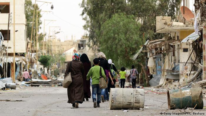 Гражданские жители возвращаются в освобожденную от джихадистов Пальмиру