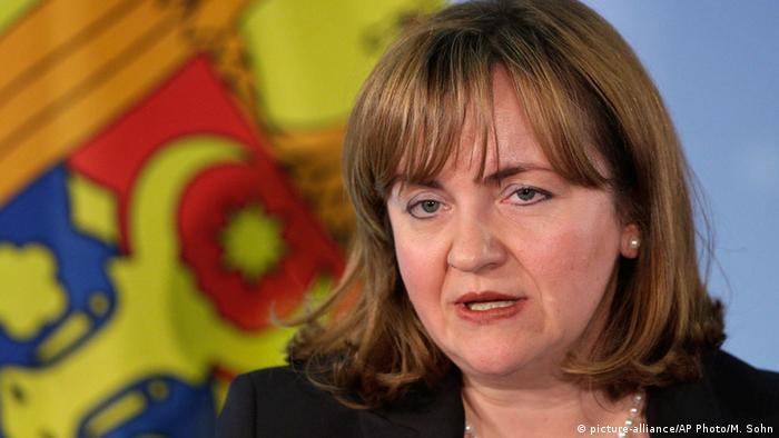 Natalia Gherman, ehemalige Außenministerin Moldau, spricht zur Presse. (Foto: picture-alliance/AP Photo/M. Sohn)