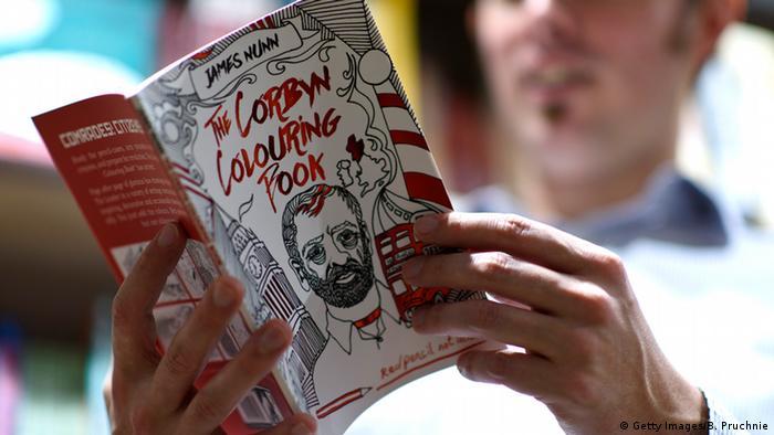 Malbücher für Erwachsene (Foto: Getty Images/B. Pruchnie)