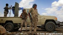 Yemeni pro-government forces, loyal to fugitive President Abedrabbo Mansour Hadi, gather at the military base of Nehm, in the Sanaa province east of the Yemeni capital, the frontline with the Marib region on April 7, 2016. Pro-government forces, backed by a Saudi-led coalition battling the Shiite Huthi rebels for more than a year, have retaken most of the eastern Marib province from the Huthi insurgents and their allies. However, the rebels still control northern and western parts of the oil-rich Marib province east of the capital Sanaa, which has been held by the Huthis since September 2014. / AFP / NABIL HASSAN (Photo credit should read NABIL HASSAN/AFP/Getty Images) © Getty Images/N.Hassan