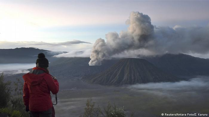 Indonesien Eruption Vulkan Bromo (Reuters/Antara Foto/Z. Karuru)