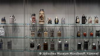 Decorated beer mugs. Copyright: Jüdisches Museum München//F. Kümmel